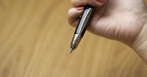 キャップレス「万年筆」で革新的なアイデアを