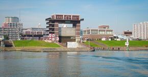 荒川ロックゲートと倉安川吉井水門-(水門的なもん②) 水位の異なる川を渡す「船のエレベーター」