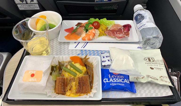往路 NH184 プレミアムエコノミーの機内食 うな玉ごはん