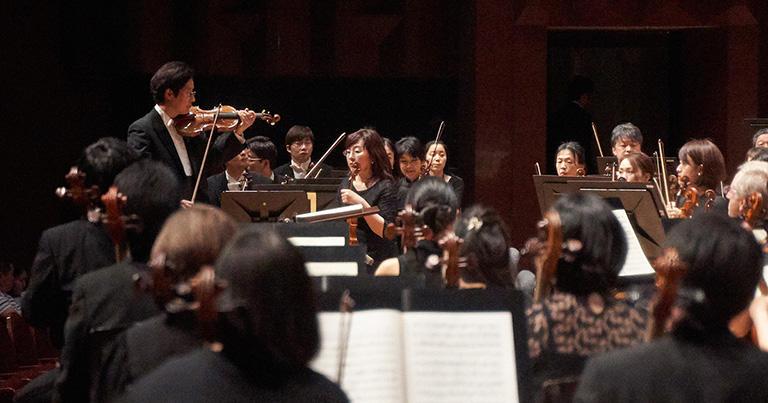 オーケストラの雰囲気が悪くなっては、決していい演奏ができませんから、オーケストラをどう運営するかについてはいつも気を配っています。