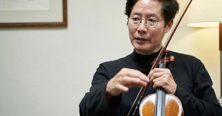 バイオリンのための名曲を演奏するのは使命。