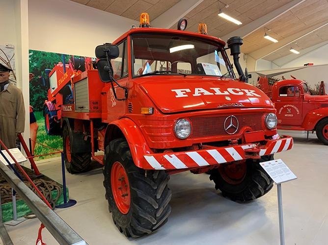 エンジン一発始動のウニモグの消防車 デンマーク FALCK消防博物館