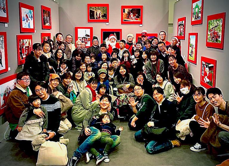 角田明子「サンタさんがいっぱい」写真展 トークセッションにお集まり頂いた方々 東京ミッドタウン FUJIFILM SQUARE