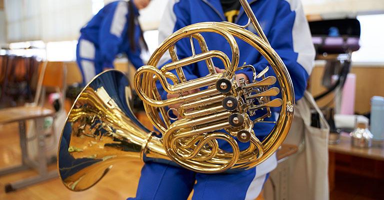 中学や高校の吹奏楽部は、教育の現場にあるわけですから、吹奏楽を通じでいろんなことを教えてあげることができると思うんです。