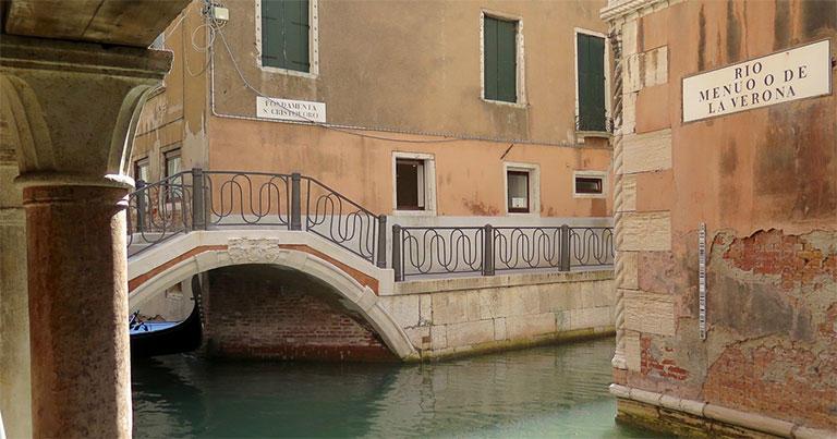 ゲーテがローマに向かう途中で滞在したヴェネチア。運河や街の様子は、当時とさほど変わっていないだろう