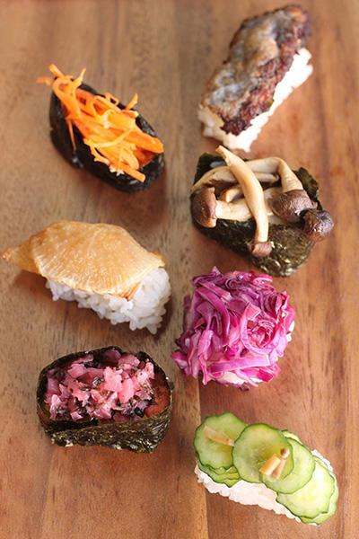 色鮮やかな野菜のお寿司