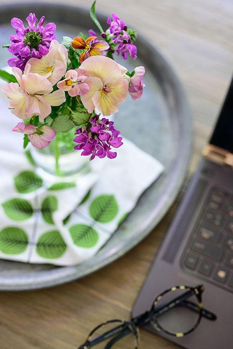 花は好きな場所に飾って楽しみましょう。