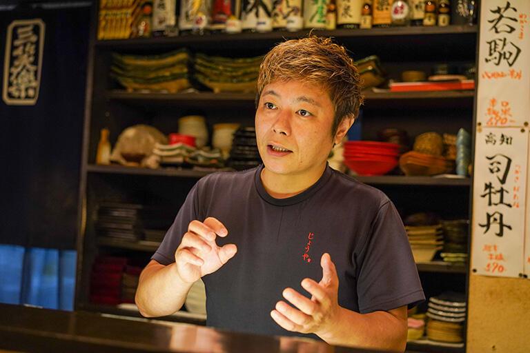 醸家の店主、横田裕亮さん