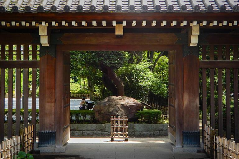 戸越公園の薬医門。大名屋敷の面影が残る。