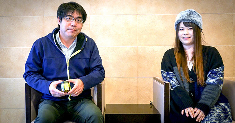 オイル漬専門店「ノルテカルタ」代表の岡本大介さん(写真左)とスタッフの菅原美里さん(写真右)