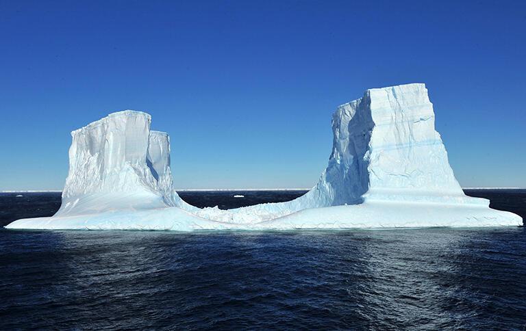 南極で撮影した氷山(撮影:武田康男=第50次南極観測隊員)